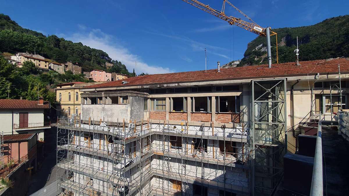 Riqualificazione del municipio di Seravezza copertina